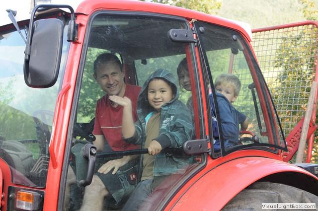 Eine Traktorfahrt macht allen Spaß